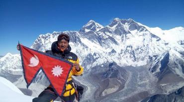 Ama Dablam Expedition&Lobuche peak 23 Days
