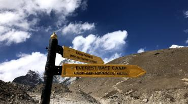 Everest Base Camp (5365M) and Kalapathar (5550M) 16 Days